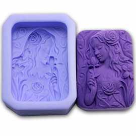 Silikonová forma na mýdlo dívka