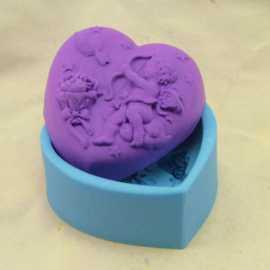 Silikonová forma na mýdlo Amorek