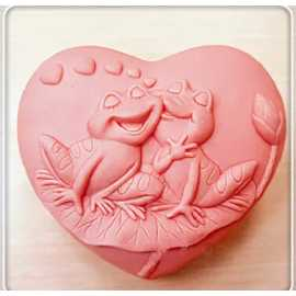 Silikonová forma na mýdlo zamilované žabky