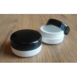 Kosmetická dóza - nízká - černé víčko 15ml